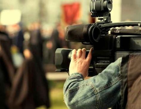 iStock-cameraman-Medium1