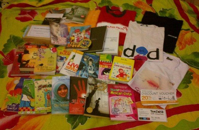 Beberapa buku dalam antrian baca saya.. :D